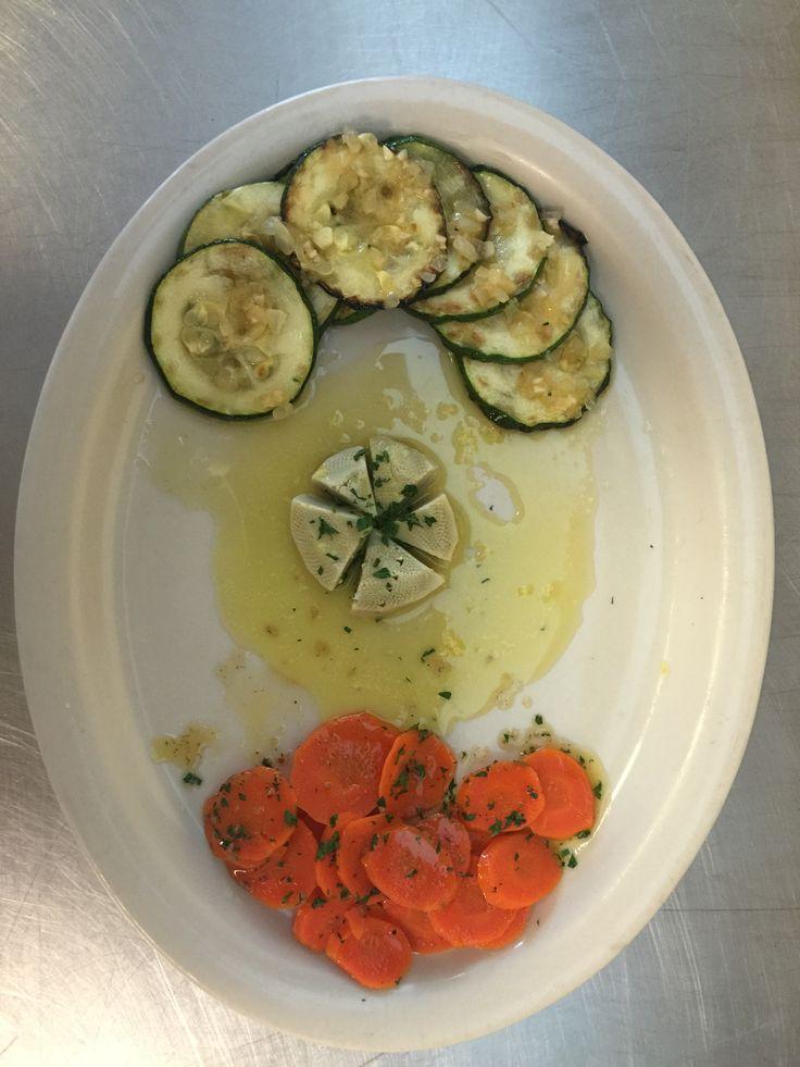Zucchini Saute (Abobrinha Saute), Artichoke with Lemon Aioli (Alcachofra no molho Aioli), Carrot Vichy (Cenouras carameladas)