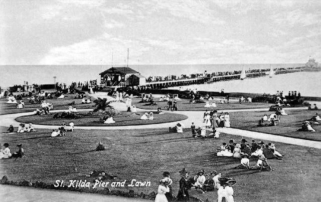 St Kilda Pier & Lawn