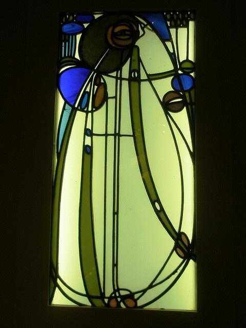 Charles Rennie Mackintosh 1901 'Glasfenster aus dem Hause Mutheslus, Berlin (Glass Window from the Mutheslus House), Museum für Kunst und Gewerbe (Museum of Art and Design), Hamburg, Deutschland (Germany) by hanneorla, via Flickr