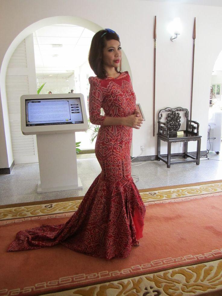 Pua kumbu dress
