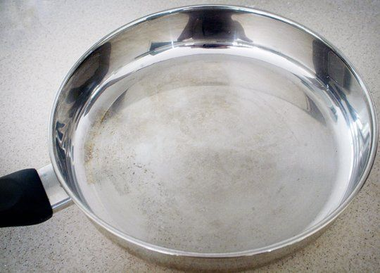 How To Clean Burnt Pans With Vinegar and Baking Soda