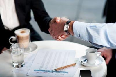 Opäť som zažil skvelý business meeting.. Nebyť môjho tlmočníka z http://www.lexika.sk/sluzby/tlmocenie/ naozaj neviem, ako by to dopadlo :) Dikess