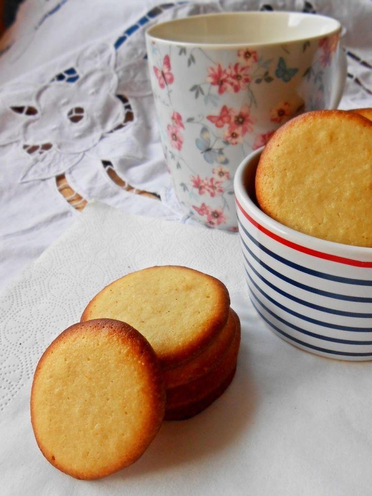 Biscottini con mandorle e limone - Almonds and lemon biscuits  http://blog.giallozafferano.it/rossoduovo/biscottini-con-mandorle-e-limone/