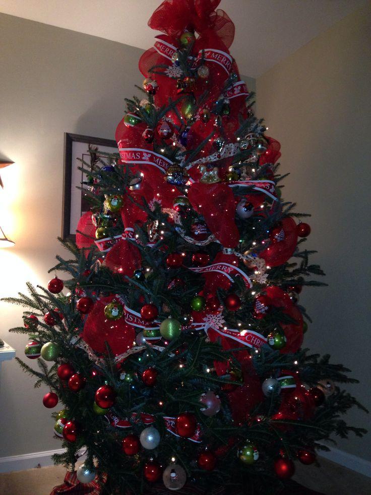Deco mesh and ribbon tree christmas pinterest for Using ribbon on christmas tree