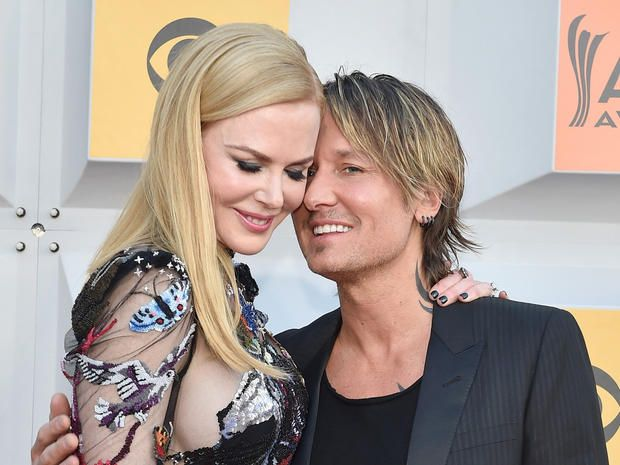 This Sunday Keith Urban will perform at the 52nd Academy of Country Music Awards on CBS. The superstar leads all performers with seven nominations, including entertainer of the year, album of the year and song of the year. When he takes the stage, you can tell by the crowd and his... http://usa.swengen.com/acm-awards-2017-keith-urban-is-not-your-regular-country-music-star/