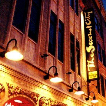 The Second City: fantastic comedy club! I've had my share of fun evenings there!