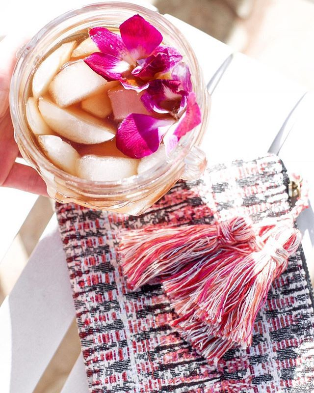 Handmade boho zipper pouches and cocktails <3 photo: @oh.pepper