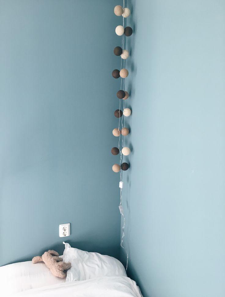 Irislights light balls.