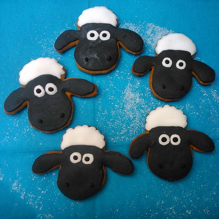 Sheep The Shaun made of Honiees. Perníčková ovečka Shaun. #Shaun #cookies