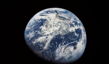 Terra só será sustentável com controle do consumo e população.