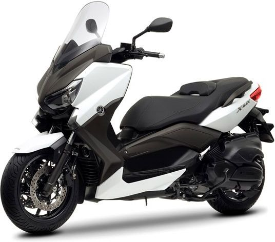 Le scooter Yamaha X-Max 400 puise son style dans la version 250 et le T-Max 530 /// Yamaha X-Max 400 goes between Xmax 250 and Tmax 530