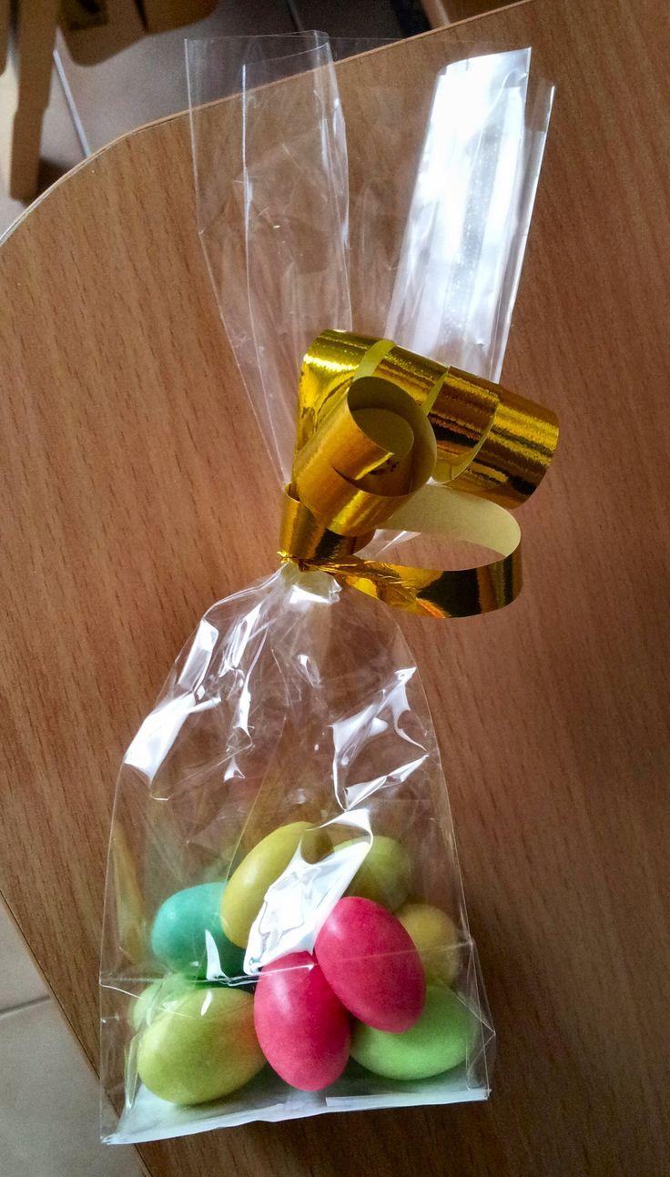 10 confetti colorati per 10 anni di matrimonio. #sacchettini #confetti #matrimonio #anniversario #weddinganniversary