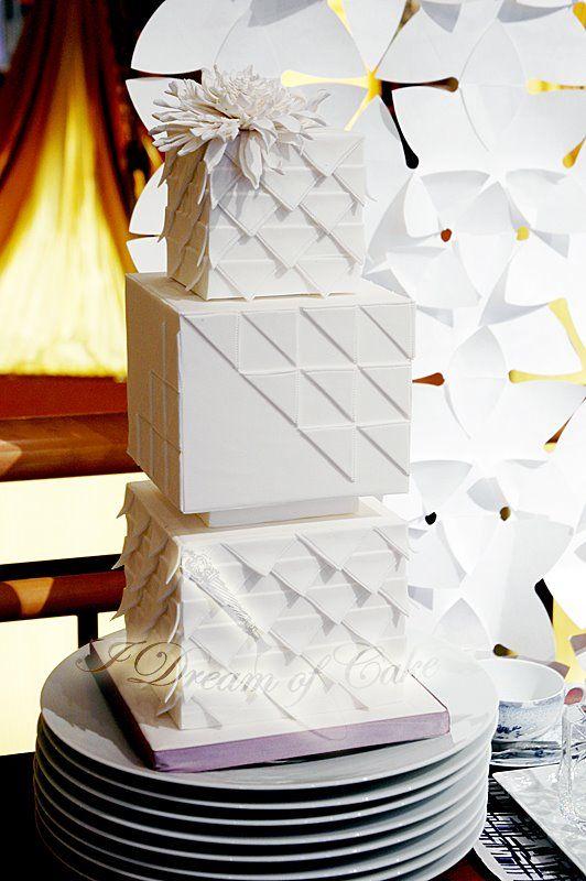 wed: Unique Wedding Cakes, Cakes Ideas, Art Deco Wedding, Art Deco Cakes, Eating Cakes, Unique Art, Beautiful Cakes, Wedding Cakes Design, Modern Cakes