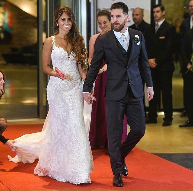 (8) News about messi wedding on Twitter