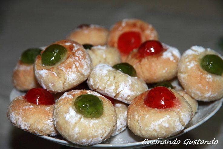 Dolcetti di mandorle siciliani buoni facili da preparare possono essere conservati per giorni mantenendo integro il sapore