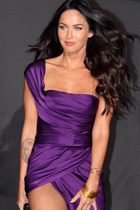 Google Image Result for http://www.coronacomingattractions.com/sites/default/files/news/transformers2_japan_premiere_megan_fox.jpg