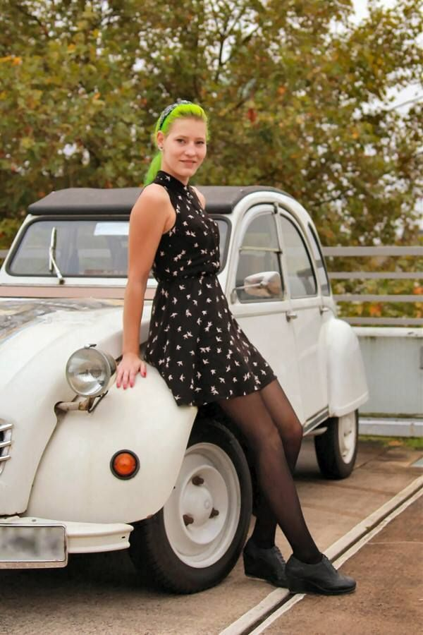 2cv femme 2cv et femmes pinterest voitures algarve et a roports. Black Bedroom Furniture Sets. Home Design Ideas