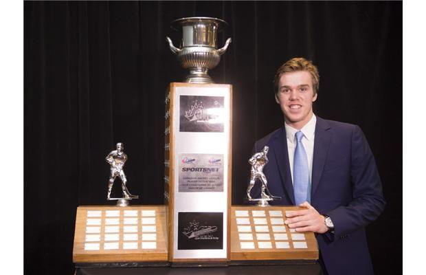 Connor McDavid wins three CHL awards, including junior player of year
