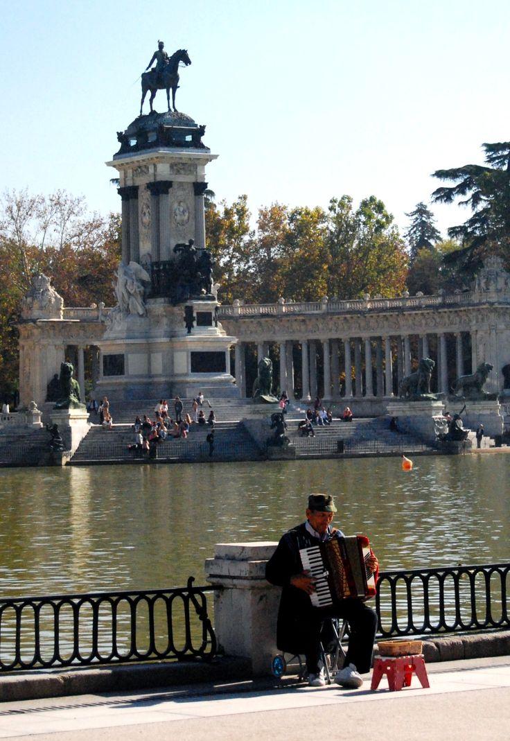 Parque de El Retiro, Madrid, October 2012, Spain  photography by cityhopper2