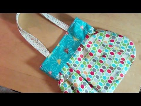 Reversible handbag tutorial.  I have made many purses with this tutorial.