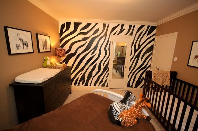 Обои зебра для детской