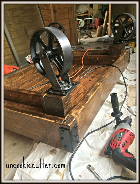 Industrial Coffee Table – A Quick and Easy DIY