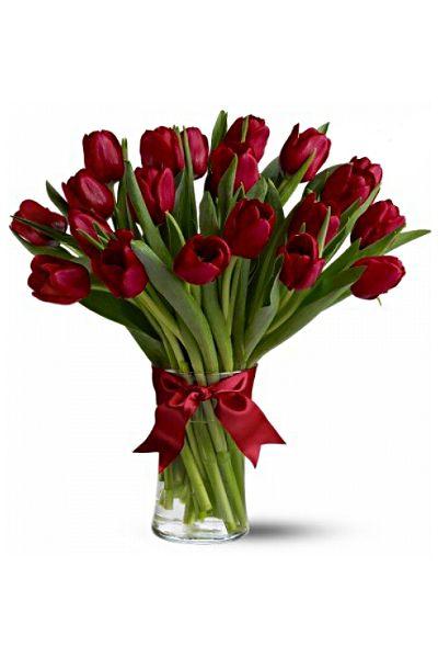 ТЮЛЬПАН 20. Технологическая упаковка: 20 тюльпанов ОДНОГО ЦВЕТА, упакованные в бумагу.