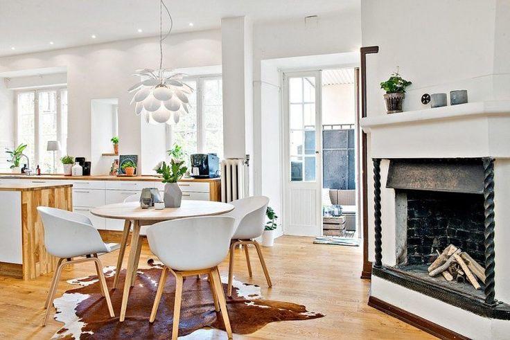 Best 25 petite table ronde ideas on pinterest la table for Table basse ronde bois massif