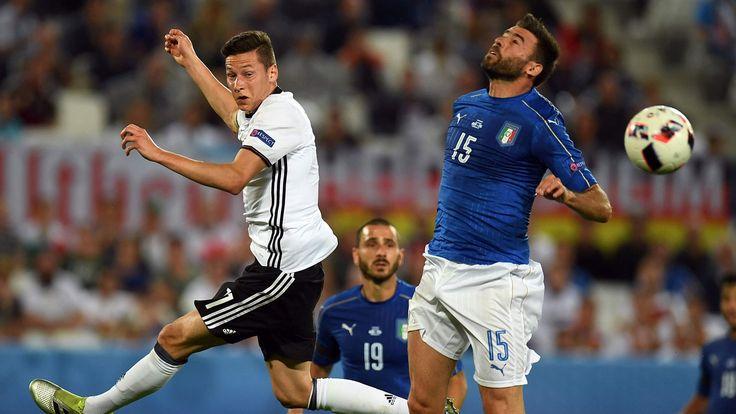 Herausragend war niemand, richtig schwach spielte auch kein deutscher Spieler gegen Italien. Bastian Schweinsteiger fügte sich gut ein ins deutsche Spiel, Thomas Müller agierte einmal mehr glücklos.