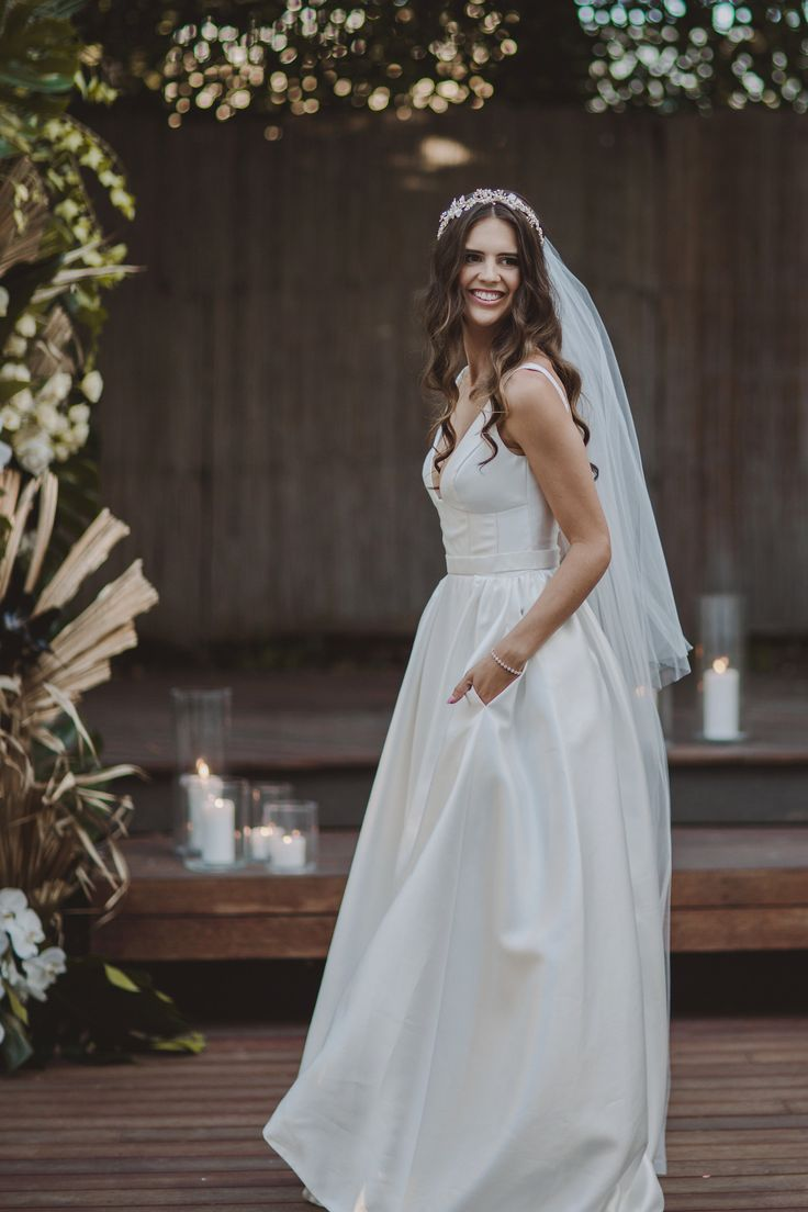 STYLED SHOOT | Our stunning Taryn/Camille gown features a split and pockets! Perfection! Photographed by Jessica Rose Photography | Styled by Jeanette Marie | Follow us @kwhbridal