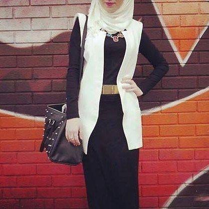 "115 Likes, 1 Comments - 🌸ASMA🌸 (@assouma_nice_dz) on Instagram: ""#hijabcollection #hijab #hijabstyle #hijabmuslimmurah #hijablover #fashion #abaya #abayadubai…"""
