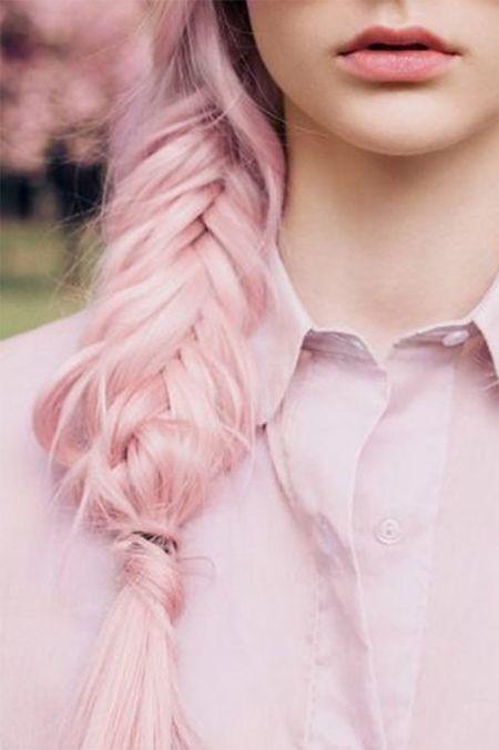 pastel pink hair plus this braid! Wow!