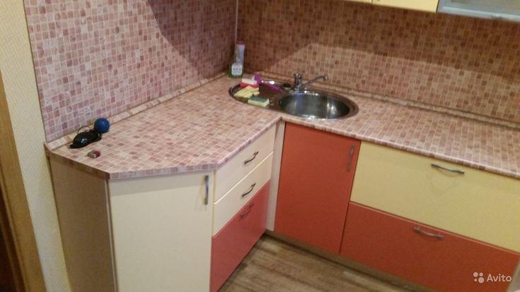 Продам квартиру   2-к,     54 кв.м на 4 этаже 9-эт. панельного   дома за 1750000 руб. http://kovrov.city/wboard-view-8020.html  Продам квартиру2-комнатная 54 кв.м  на 4 этаже 9-эт. панельного домаКвартира улучшенной планировки. Неугловая, теплая, светлая. В ванной новая кафельная плитка. Остаётся встроенная кухня.