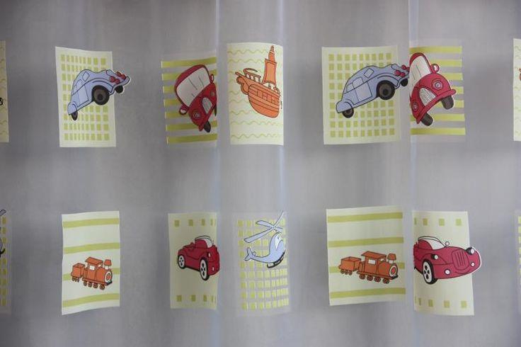 A gyerekszoba is otthonosabb játékos, a kicsi ízléséhez igazított függönnyel!  Keresse változatos kínálatunkban!  http://www.florellefuggony.hu/termekeink/fenyatereszto-fuggonyok/#a10130-01-jpg