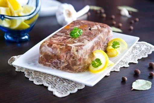Шустрый повар.: Холодец – традиционное новогоднее блюдо