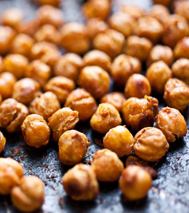 <> MADE! <>  Spicy roasted chickpeas with cumin, cayenne pepper and lots of chilli powder!