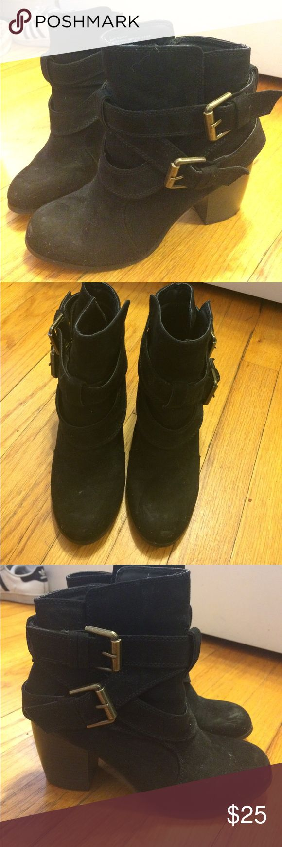 American Eagle Outfitters Black Booties sz 7 Only worn a few times AEO black booties size 7! Suede with cute buckles on the side American Eagle Outfitters Shoes Ankle Boots & Booties