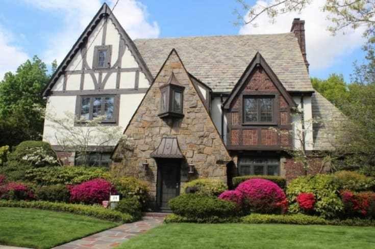 10 Inspiring English Cottage House Plans Tudor Style Homes English Tudor Homes Cottage Exterior