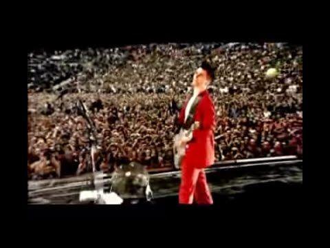 Muse - Knights Of Cydonia: Live At Wembley Stadium 2007 - YouTube