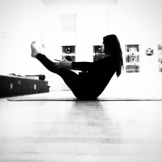 Dharana: concentration, focus. The advanced yogi is not someone who can perform extreme postures, They are someone who can remain still, calm and focused throughout their asana practice. #feeltheecho  YOGA Teacher Heidi Rae