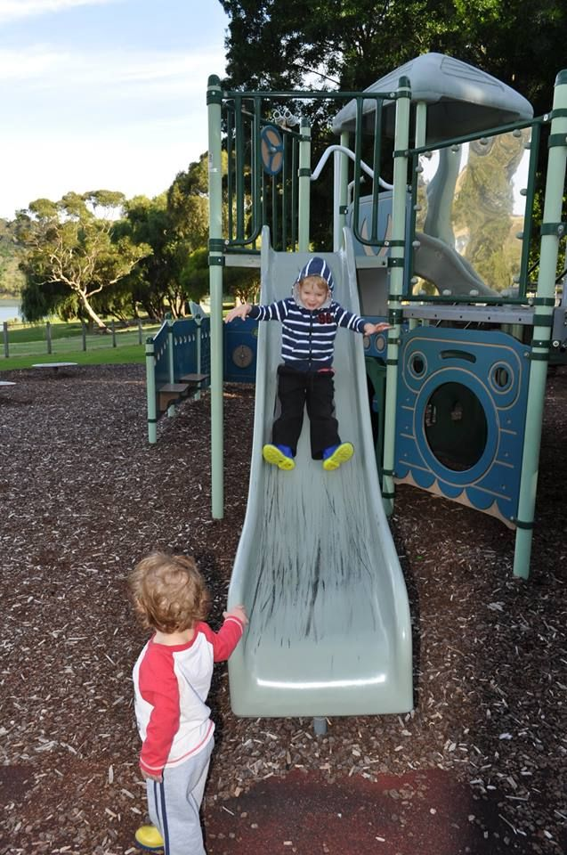 Since we are very close to the Christmas holiday period families will be looking for somewhere to travel. Mount Gambier has many outdoor activities for children; here we see the #playground at Valley Lake
