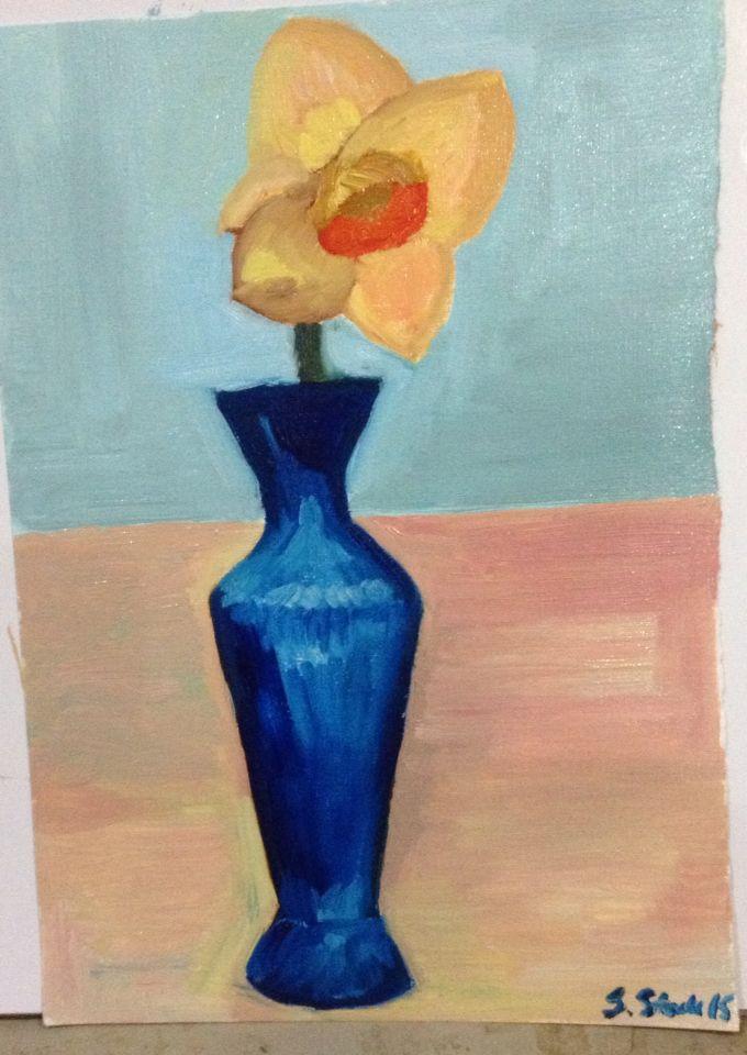 Daffodil in blue vase 15