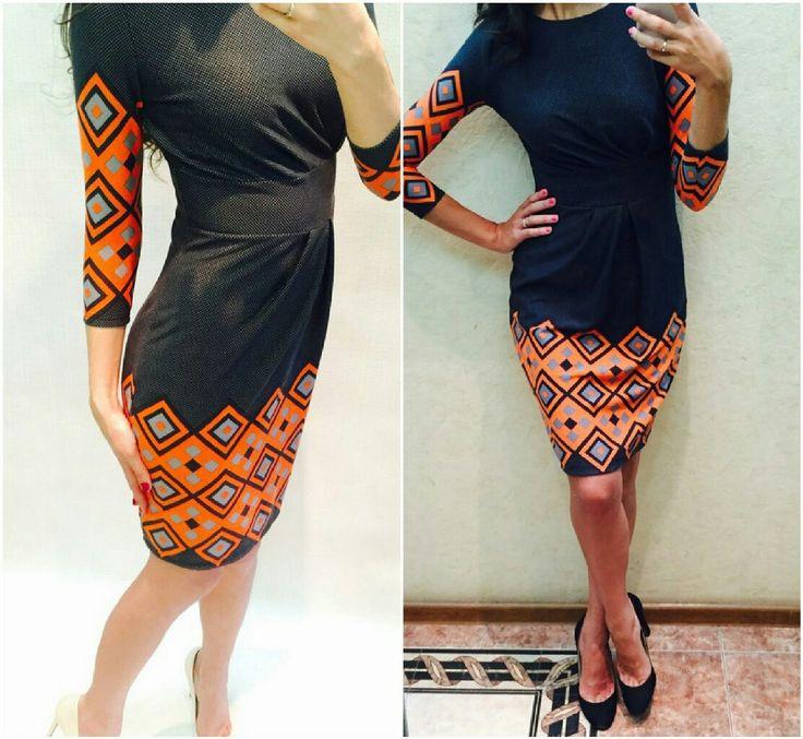 Платье трикотажное с ярким узором на рукавах и по низу юбки.  42 р. в наличии, остальные под заказ.  3600