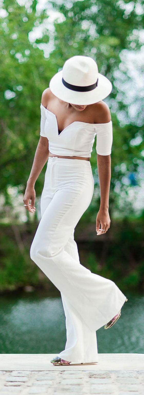 FashionDRA: White Monochrome