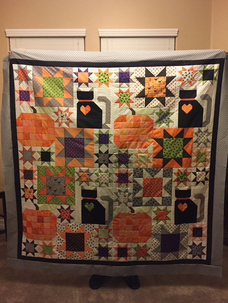 Lori Holt's Picnic Quilt from Farm Girl Vintage book with a Halloween Twist