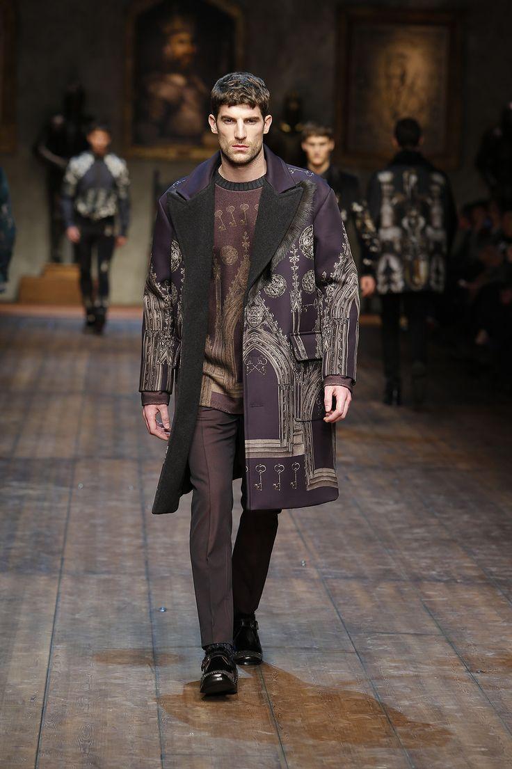 http://www.dolcegabbana.com/man/fashion-show/runway-gallery/dolce-and-gabbana-fw-2014-2015-men-fashion-show-runway-15/