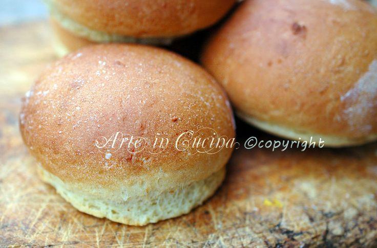 Panini dolci all olio, ricetta facile e veloce, panini da colazione, feste o buffet, panini soffici, da farcire, con nutella, marmellata, per grandi, bambini