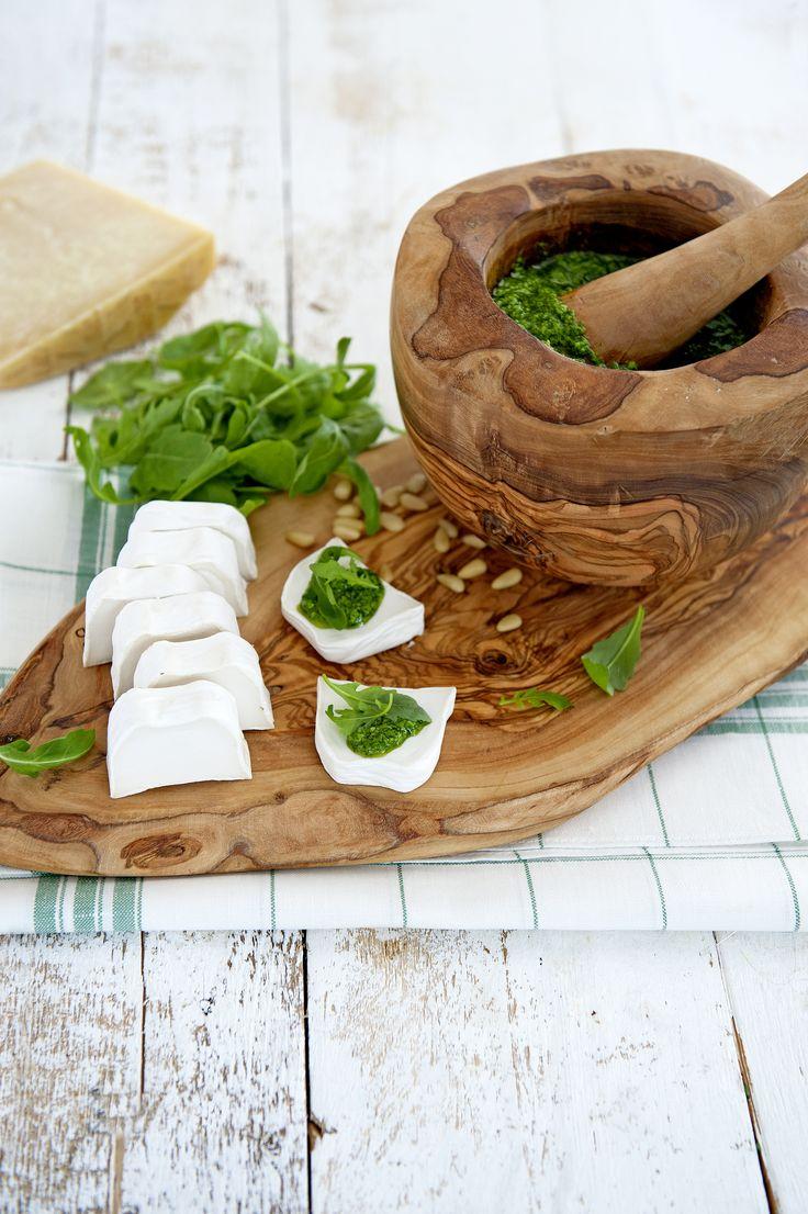 Tapasplank en vijzel van mooi olijfhout #kitchen #wood
