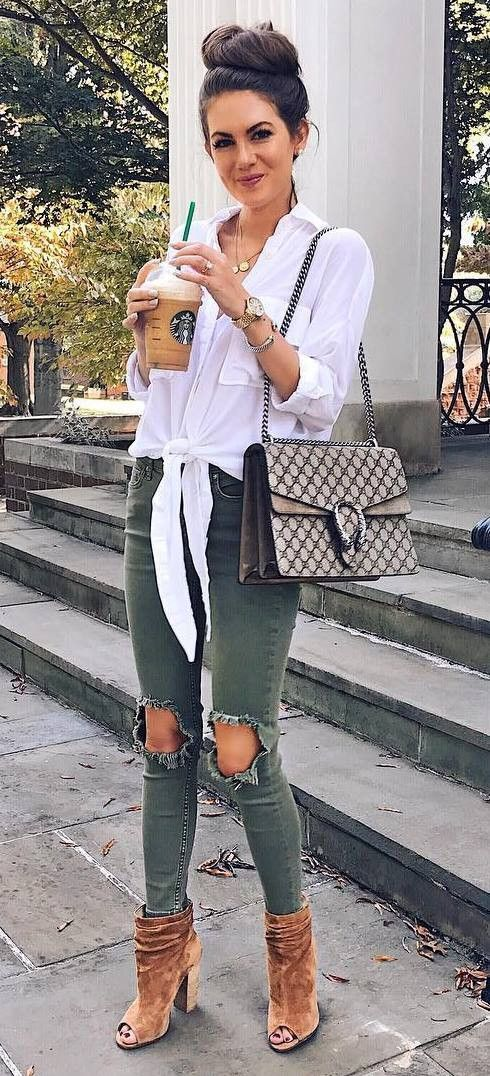 cool outfit idea : shirt + bag + ripped jeans + boots