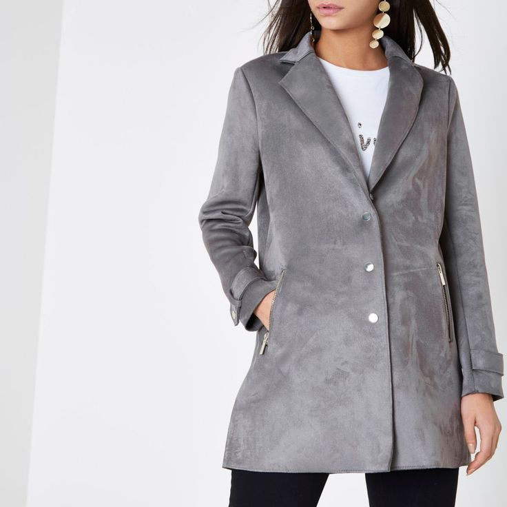 Faux suede fabric Notch lapels Detachable faux fur collar Long sleeve with popper-fastened cuff Front zip pockets Popper front fastening Our model wears a UK 8 and is 175cm/5'9'' tall